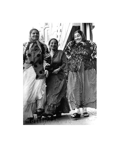 October 2001 Romany women on the Walworth Road